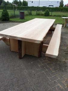 Buitentafel van Douglas hout